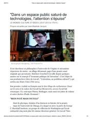 dans un espace public sature de technologie